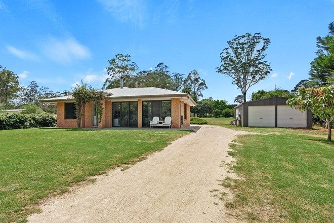 Picture of 14 Davidson Lane, HAMPTON QLD 4352