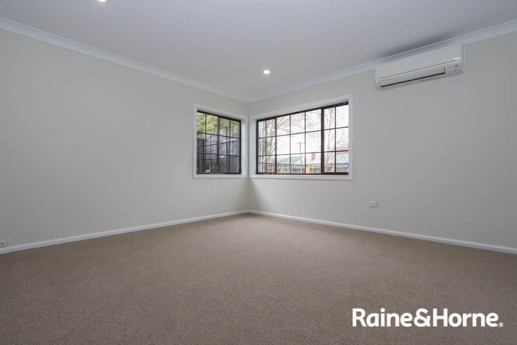 43 Seymour Street, Bathurst NSW 2795, Image 2