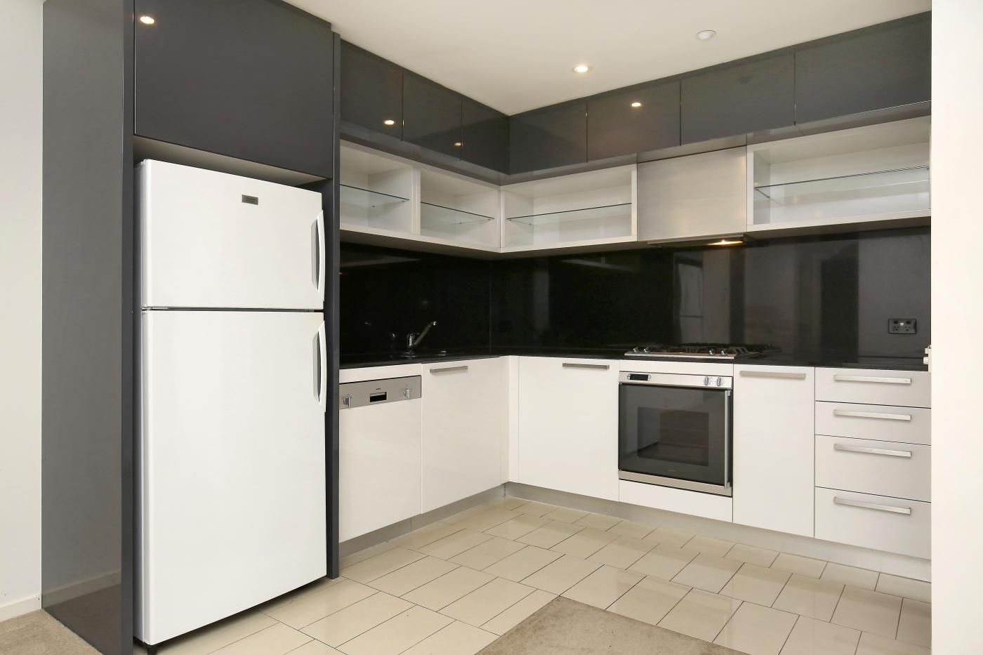 23/8 Cook Street, Southbank VIC 3006, Image 2