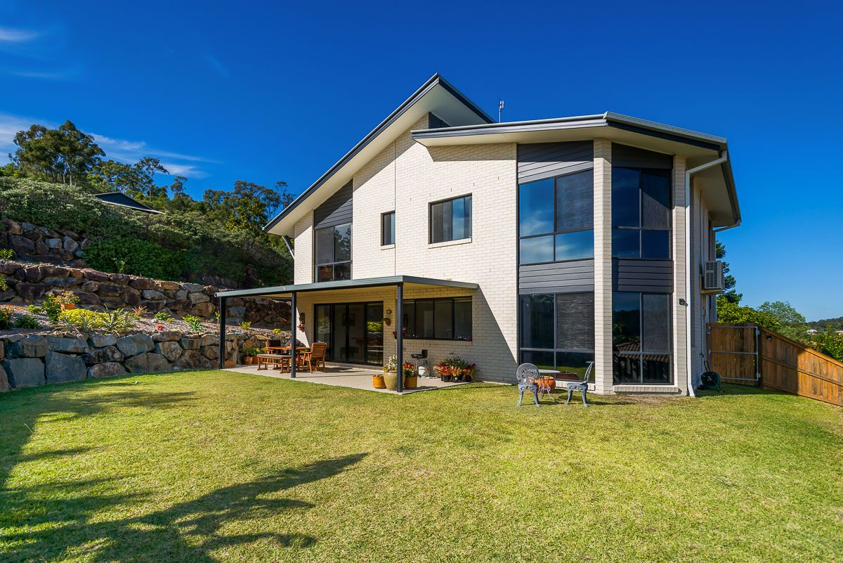 12 Sangster Crescent, Pacific Pines QLD 4211, Image 2