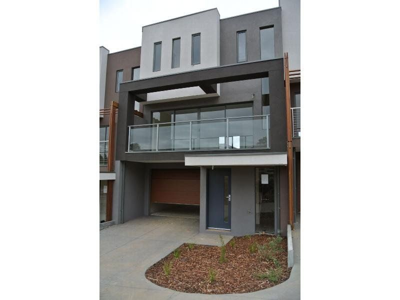8 Reserve Place, Notting Hill VIC 3168, Image 0