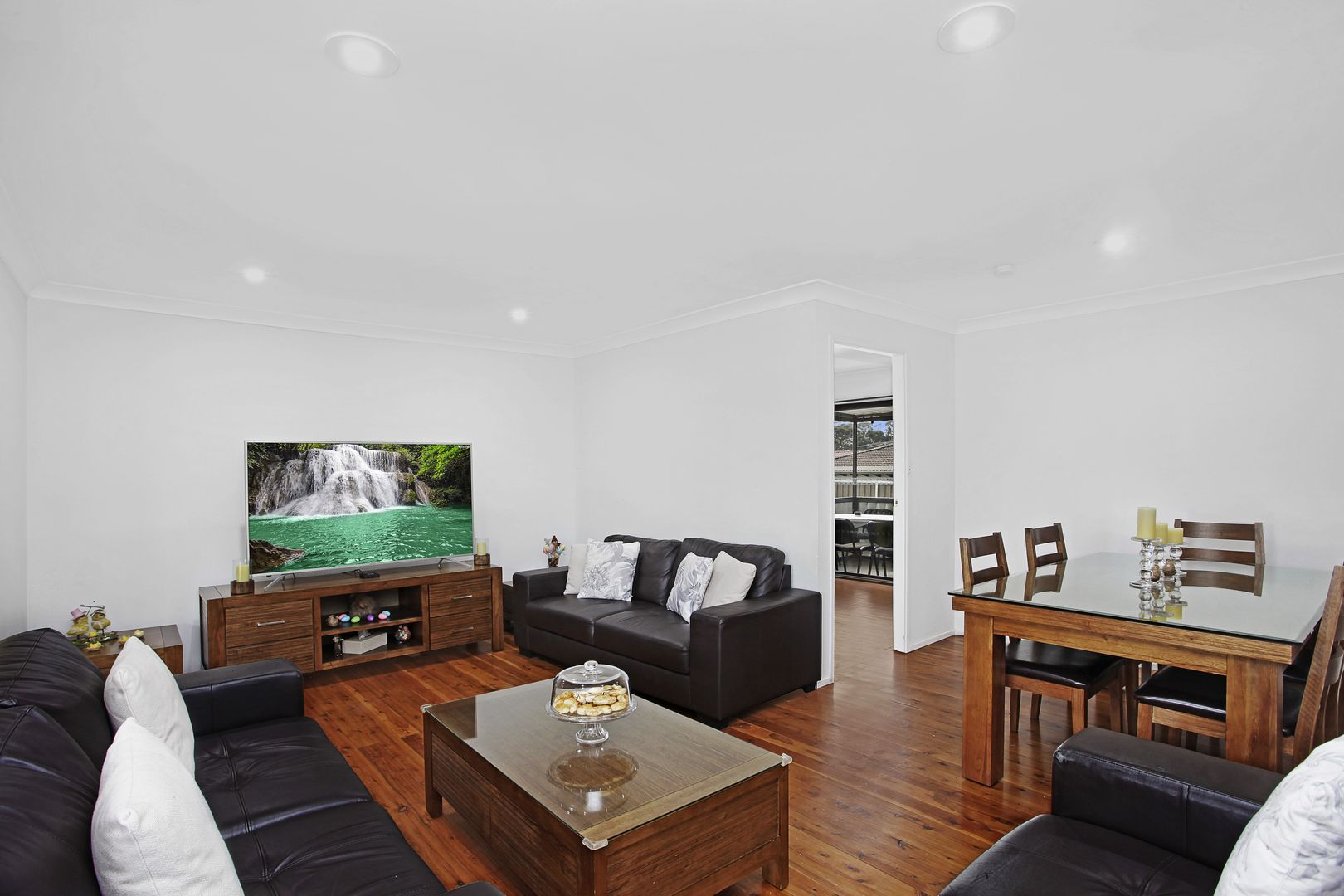 4 Bronte Close, Wetherill Park NSW 2164, Image 1