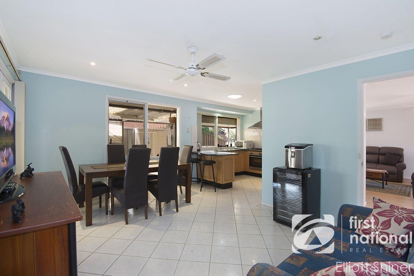 5 Verrills Grove, Oakhurst NSW 2761, Image 2