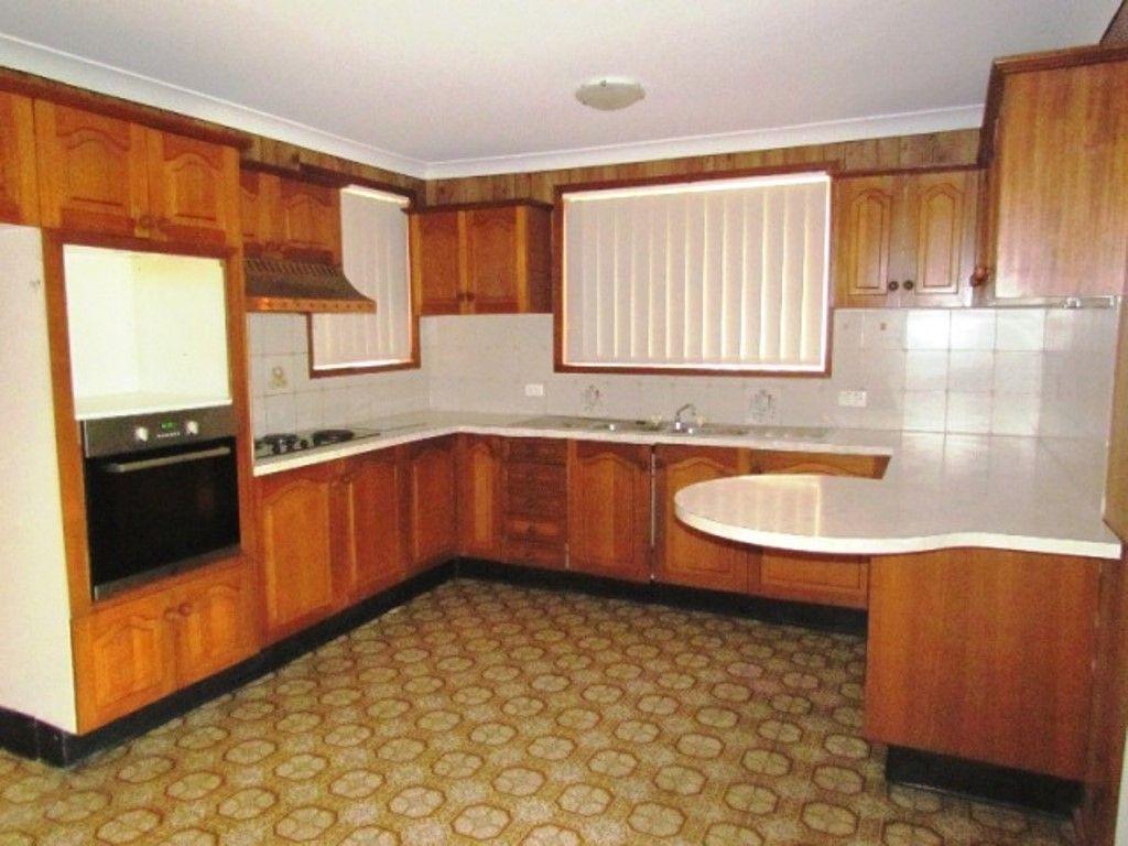 17 Valparaiso Avenue, Toongabbie NSW 2146, Image 1