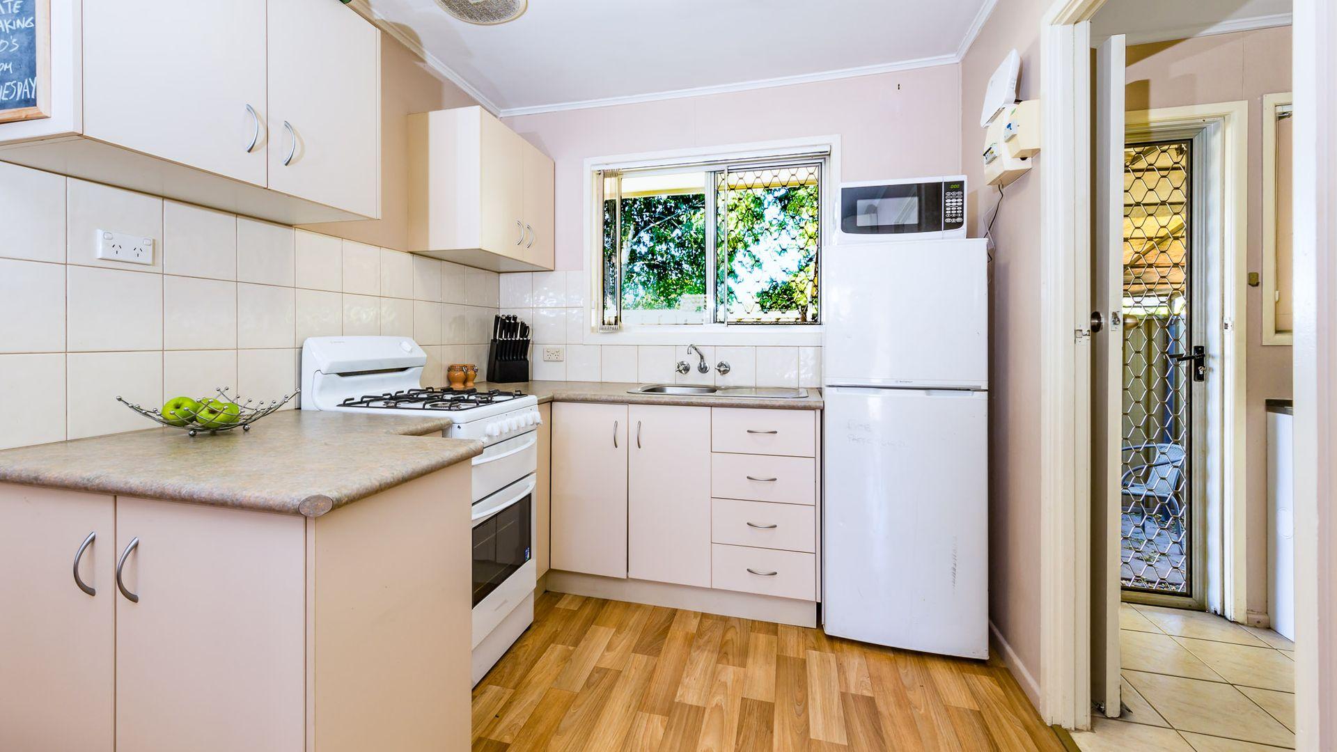1/352A Bridge Street, Wilsonton QLD 4350, Image 2