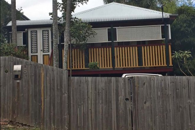 Picture of 8 Fenton Street, FAIRFIELD QLD 4103