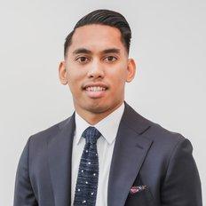 Jeff Valenzuela, Sales Associate