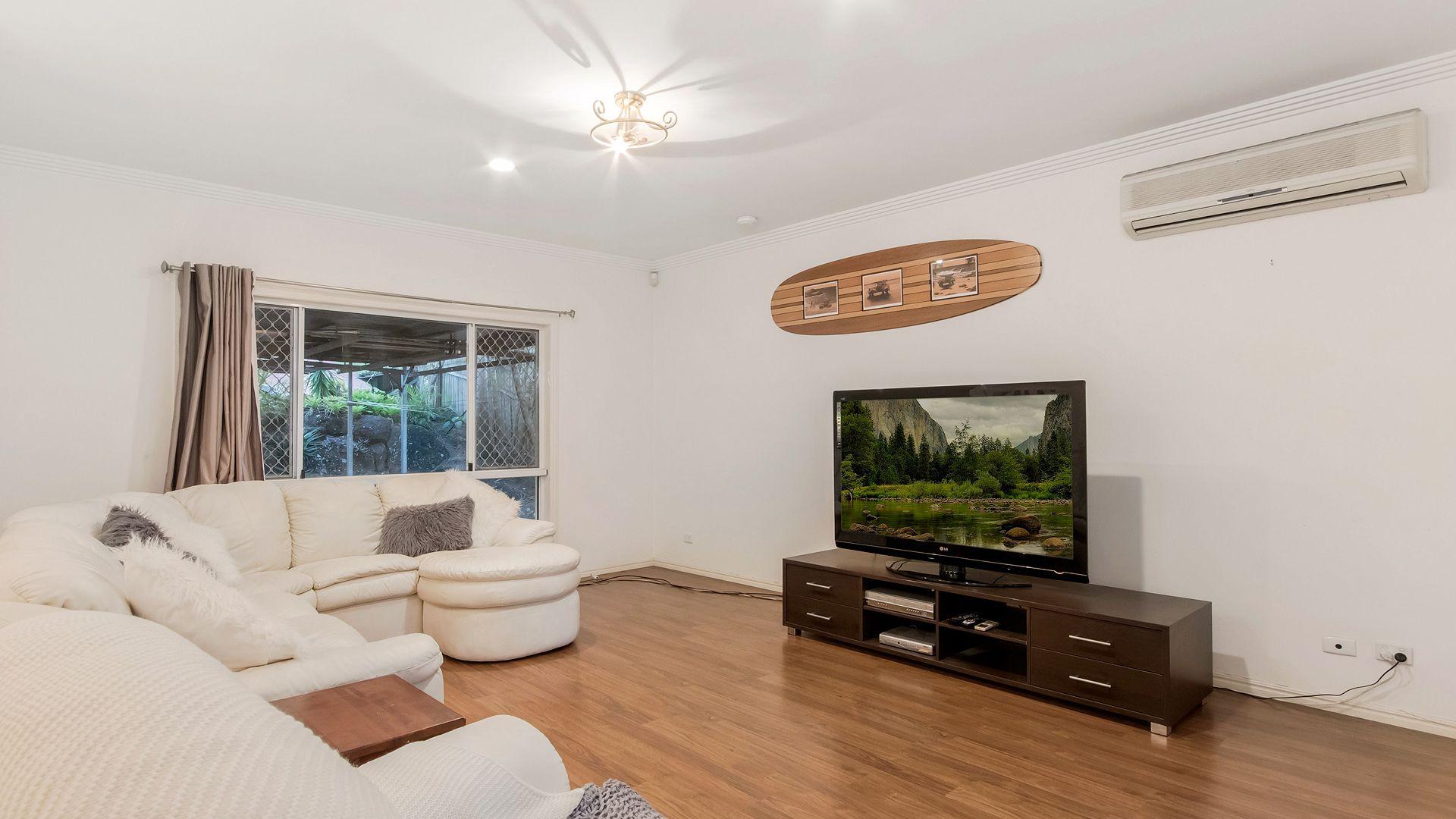 44 Longmorn Crescent, Merrimac QLD 4226, Image 2