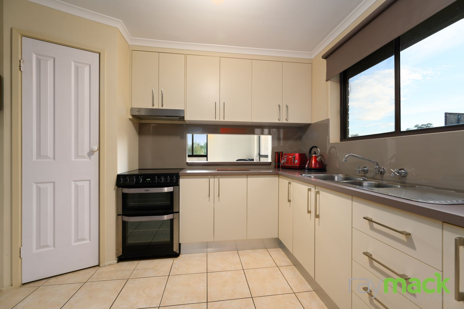 27 Aruma Crescent, Springdale Heights NSW 2641, Image 1