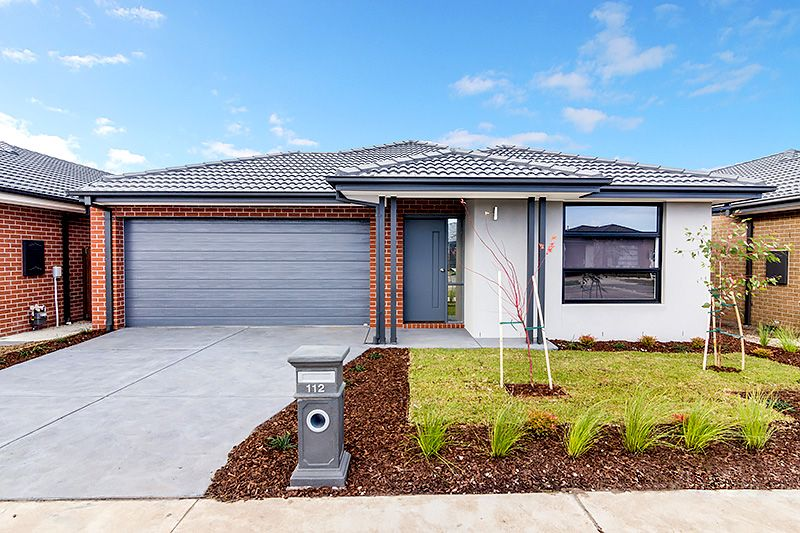 112 Wheelers Park Drive, Cranbourne North VIC 3977, Image 0