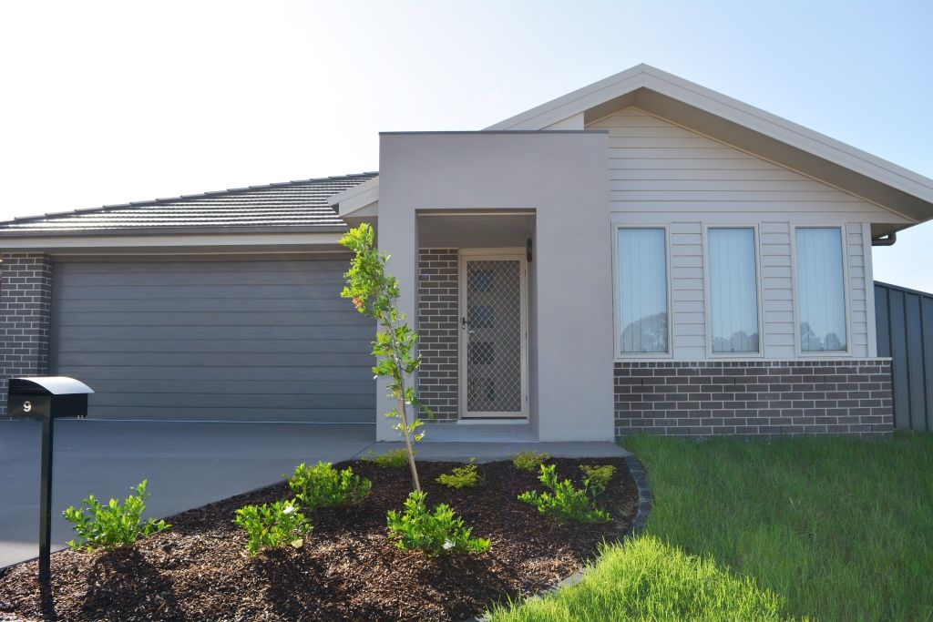 9 NELSON GROVE, Woongarrah NSW 2259, Image 0