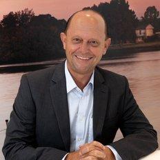 Nicholas Cusick, Sales representative