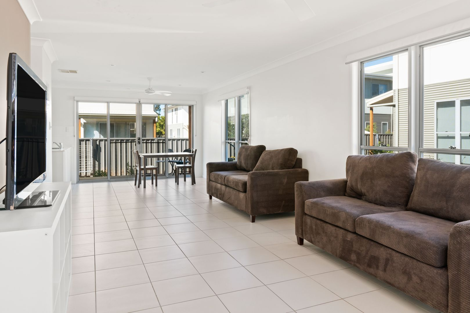 1/37-39 Daisy Street, Miles QLD 4415, Image 2