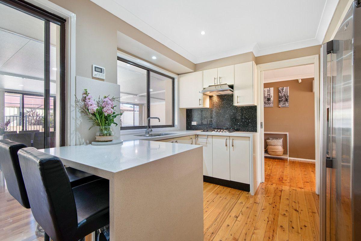 10 Randall Avenue, Minto NSW 2566, Image 2