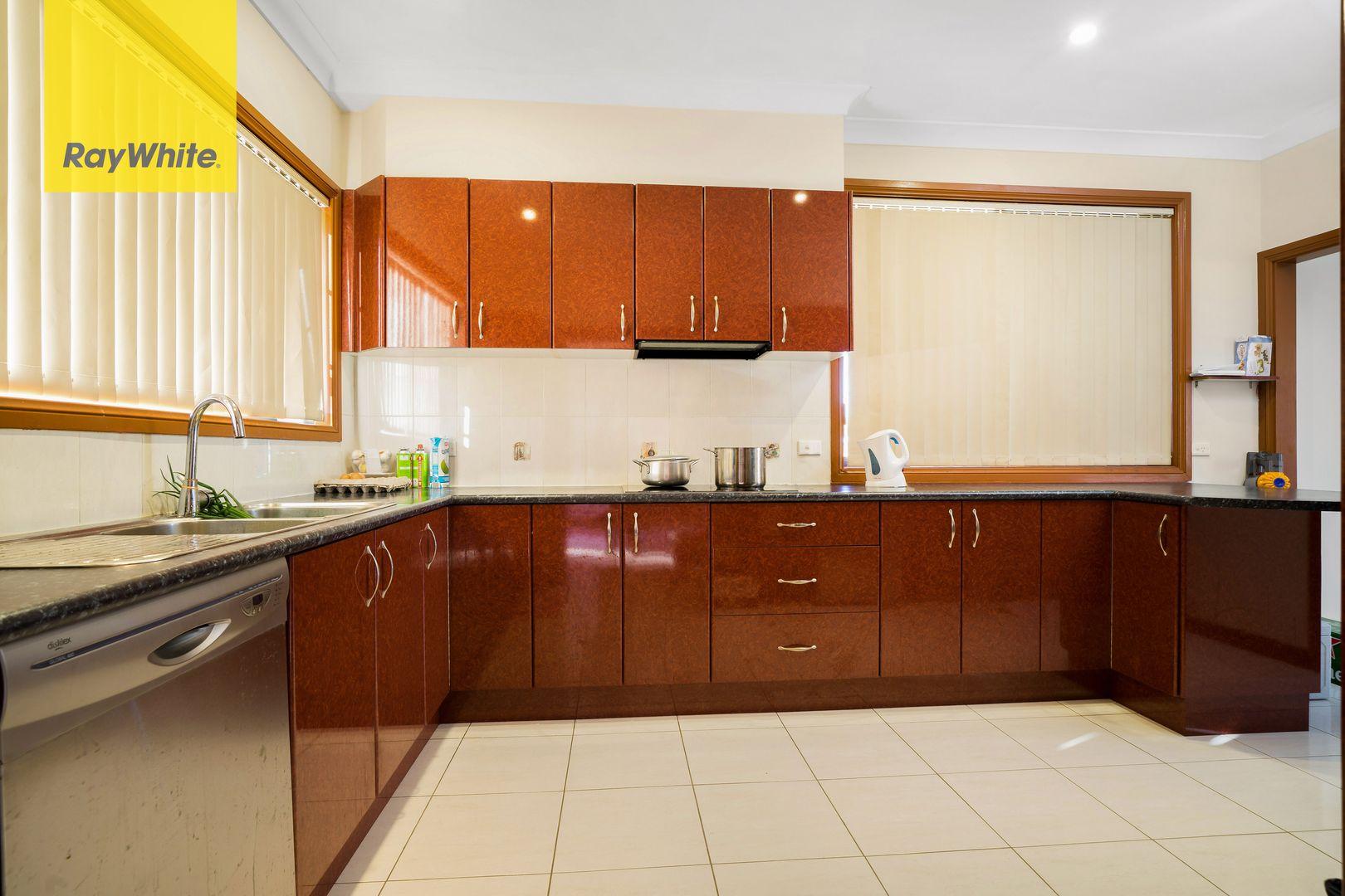 9 Leonello Place, Edensor Park NSW 2176, Image 2