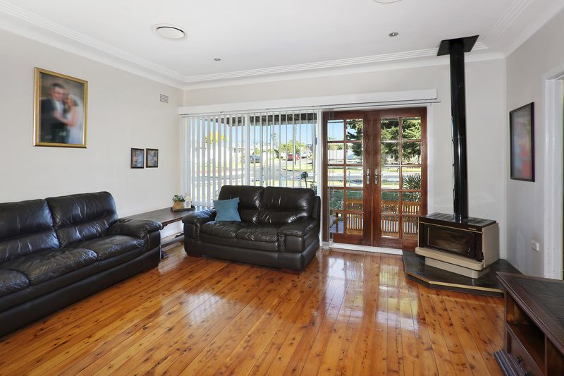 385 Blaxcell St, Granville NSW 2142, Image 2