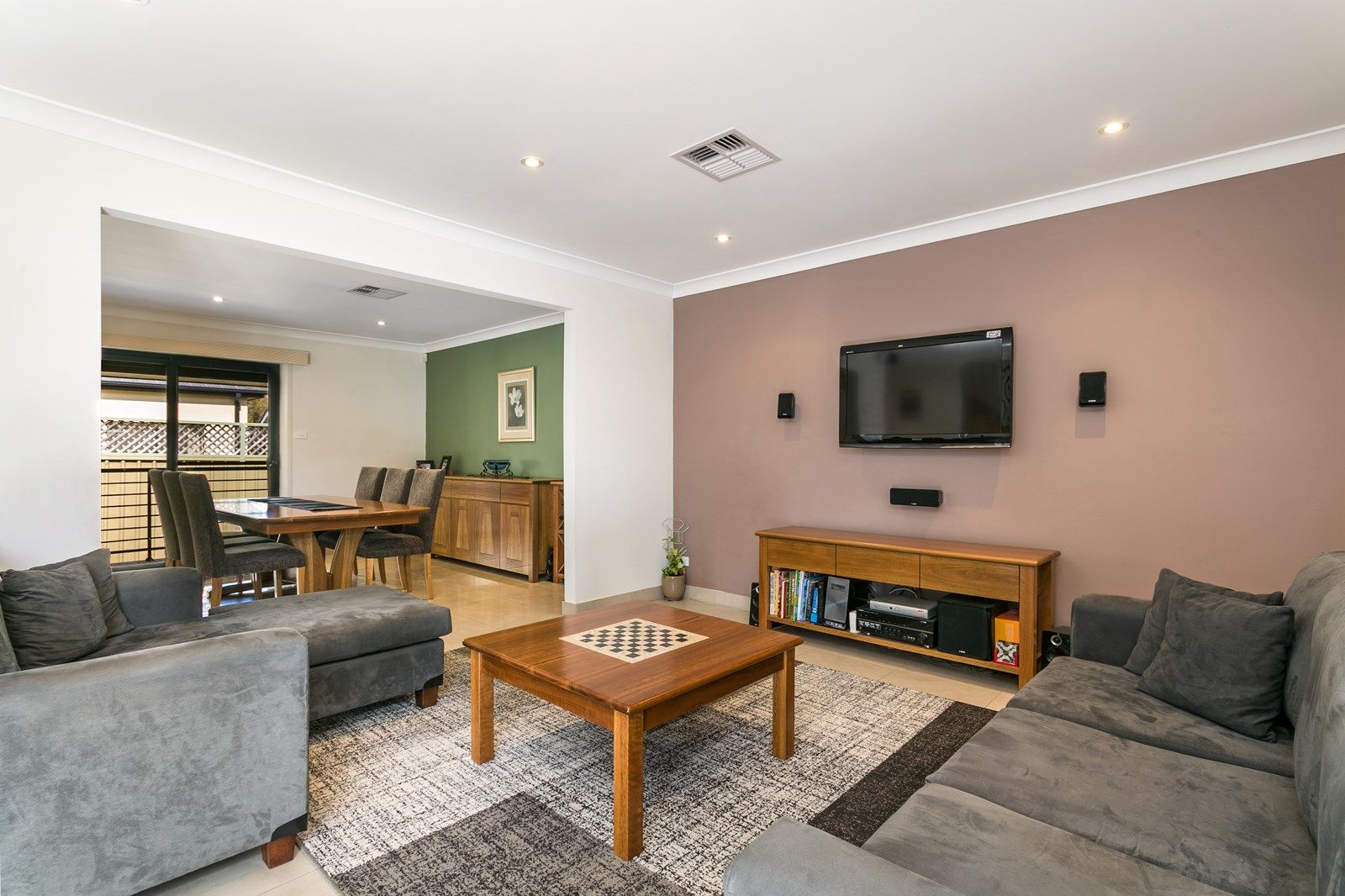 32B Universal Avenue, Georges Hall NSW 2198, Image 1