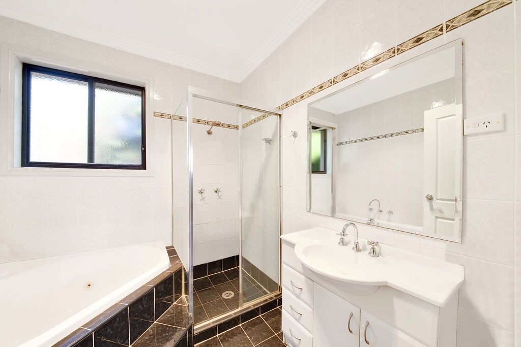 1/194 Pittwater Road, Gladesville NSW 2111, Image 2