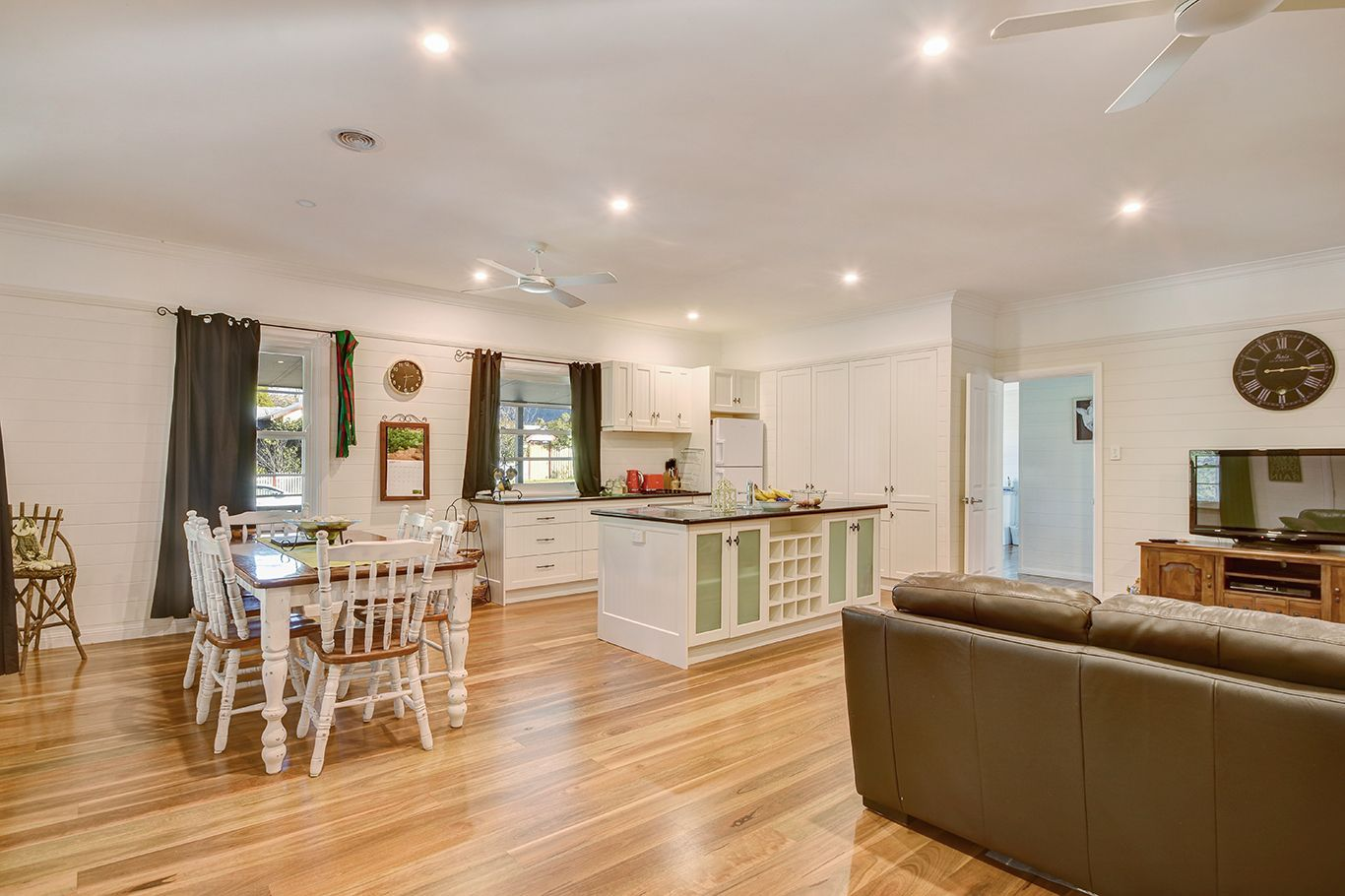 119 Sunset Point Drive, Mittagong NSW 2575, Image 2