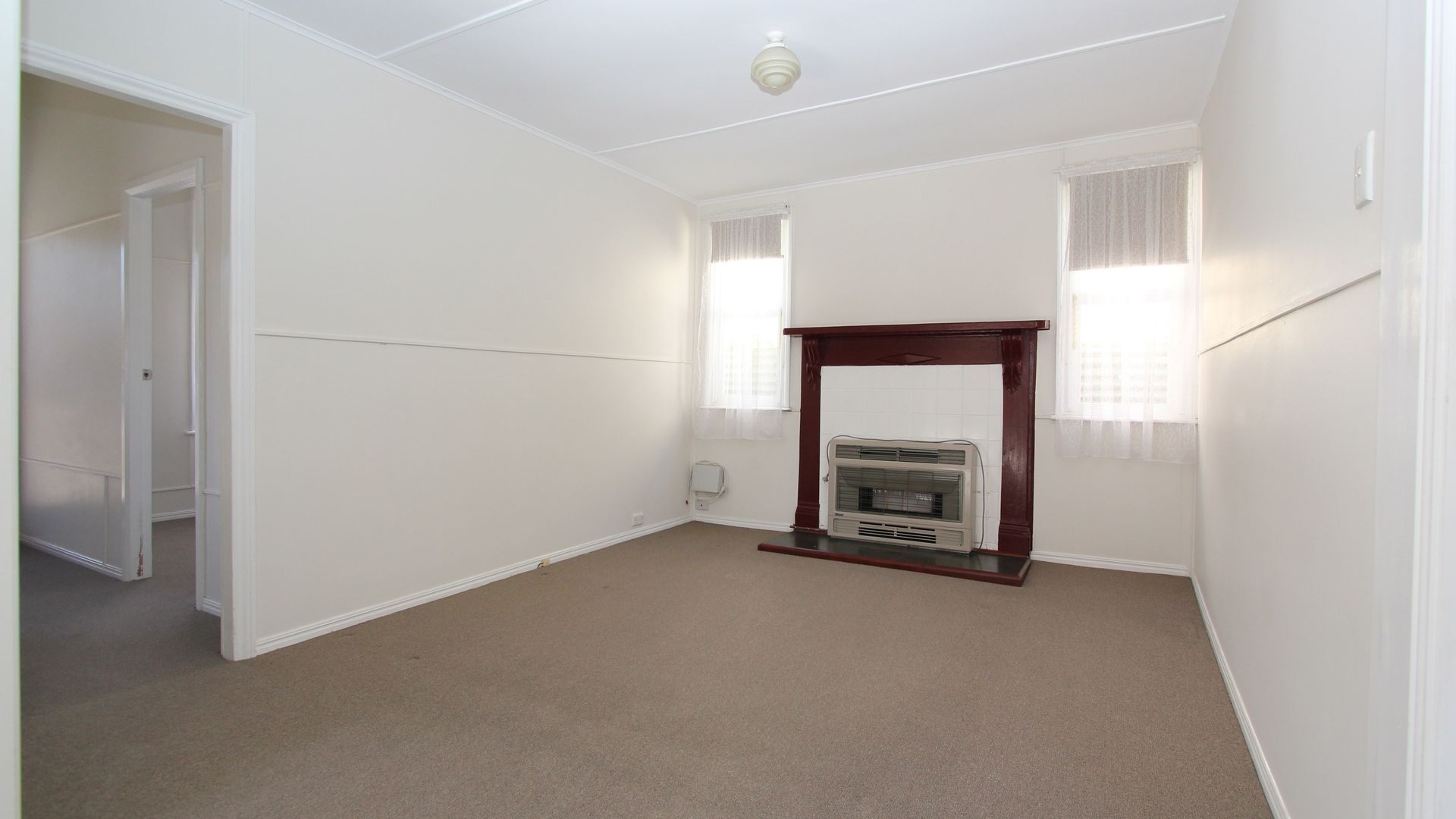 711 Doveton Street North, Soldiers Hill VIC 3350, Image 2