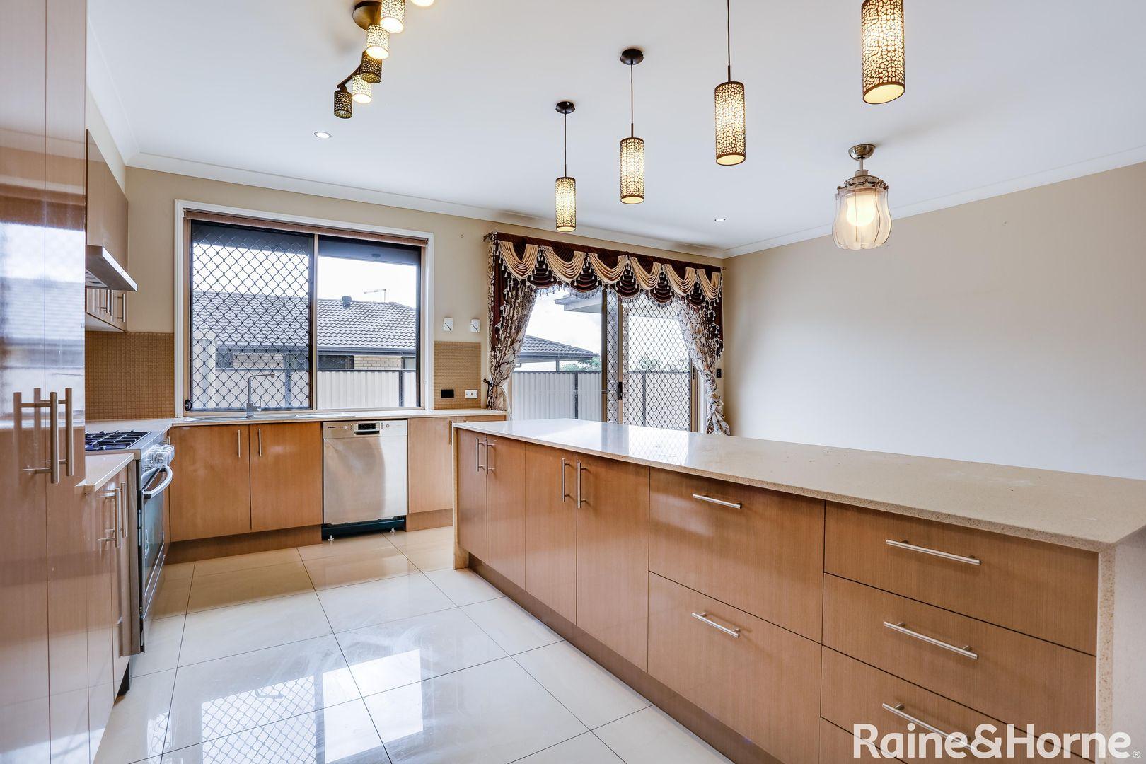 74 Marcus Drive, Regents Park QLD 4118, Image 2