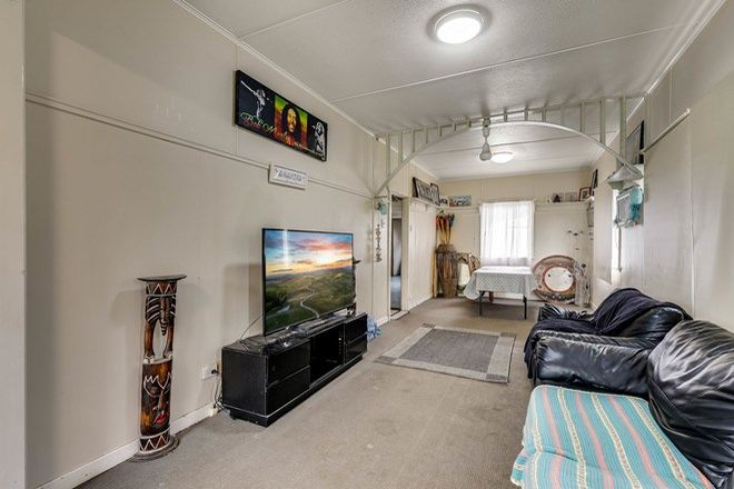 Picture of 387 West Street, DARLING HEIGHTS QLD 4350