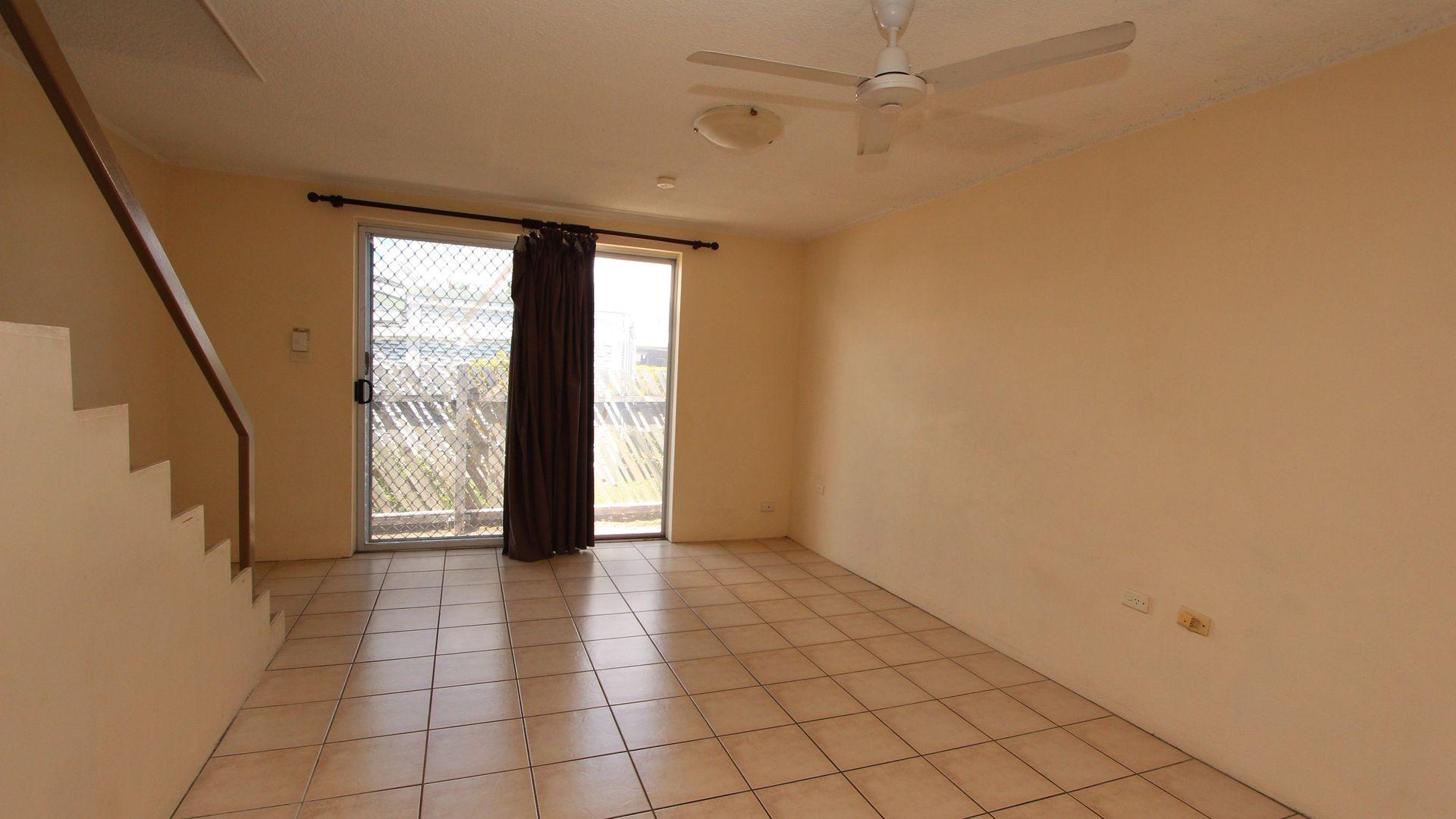 14/352 Ross River Road, Cranbrook QLD 4814, Image 2