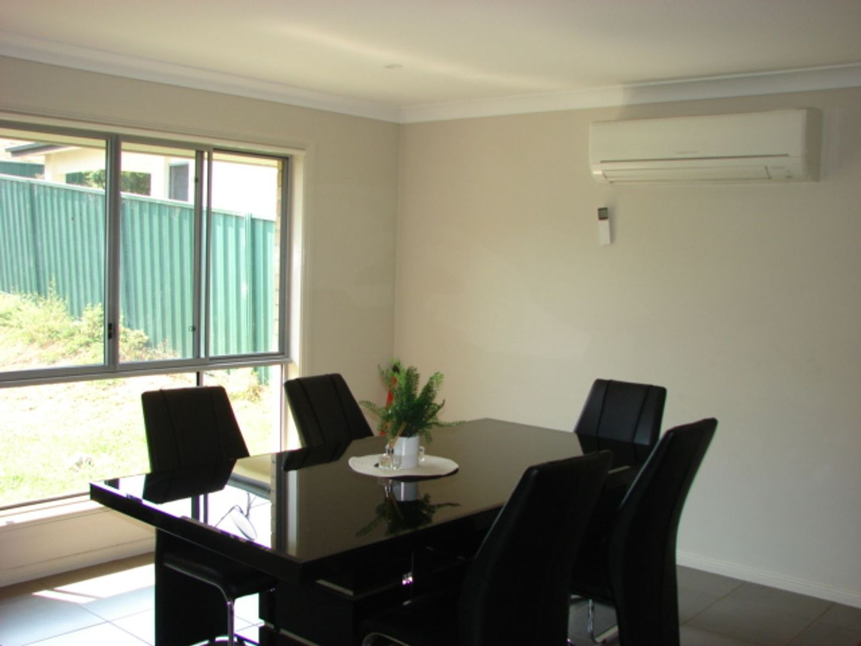 9 Dixon Circuit, Muswellbrook NSW 2333, Image 2