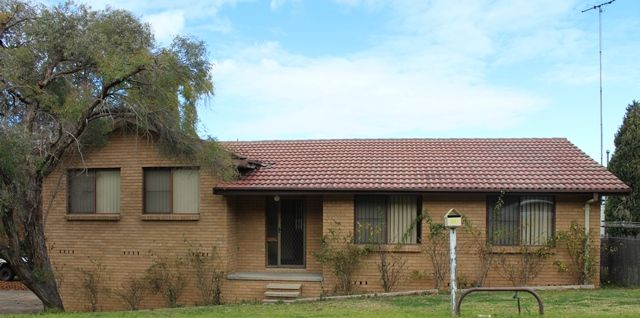11 Hillview Avenue, Muswellbrook NSW 2333, Image 0