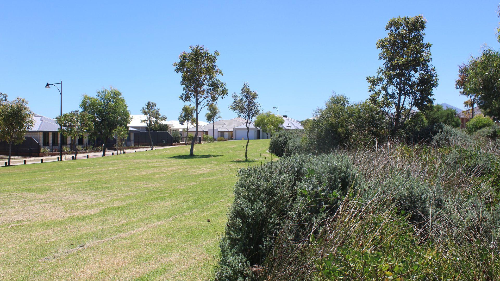 35 Liddard Gardens, Baldivis WA 6171, Image 2