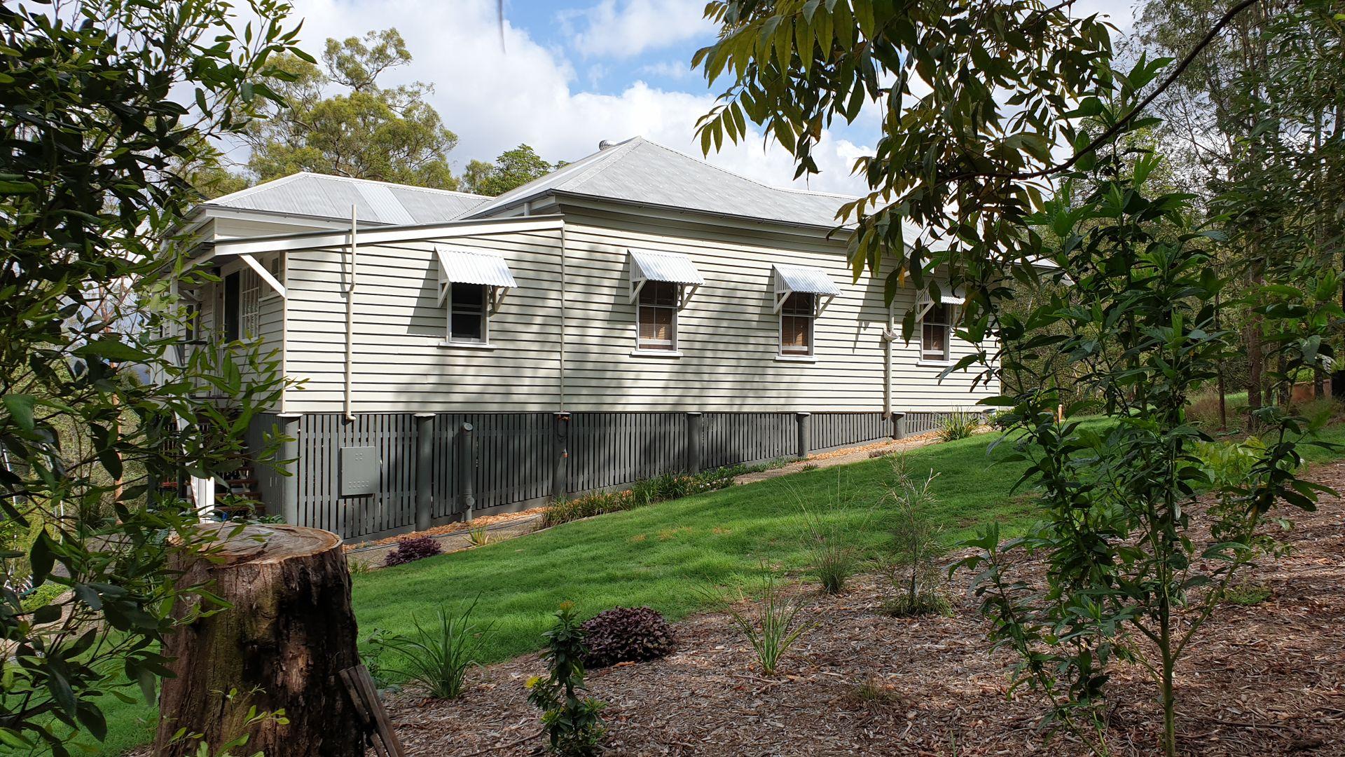 220 Boscombe Road, Brookfield QLD 4069, Image 1