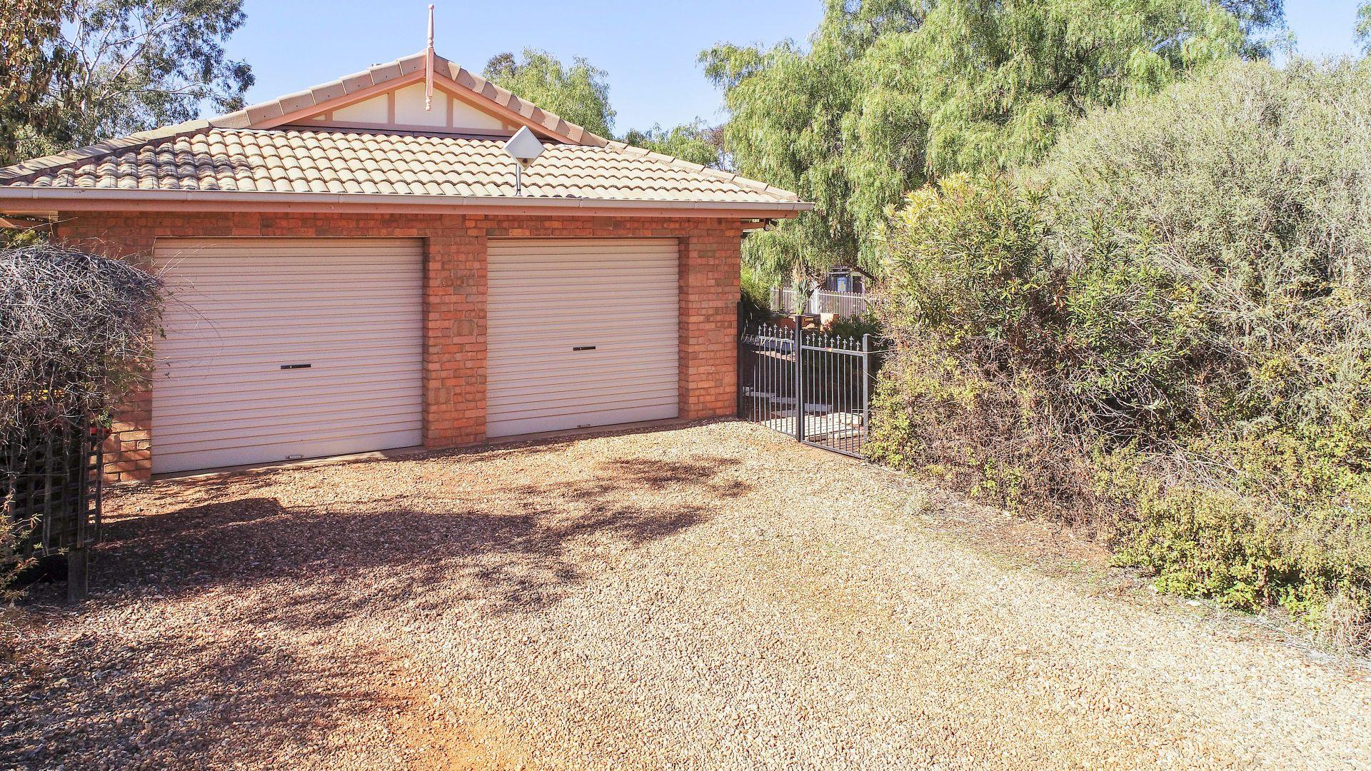 16R Debeaufort Drive, Dubbo NSW 2830, Image 1
