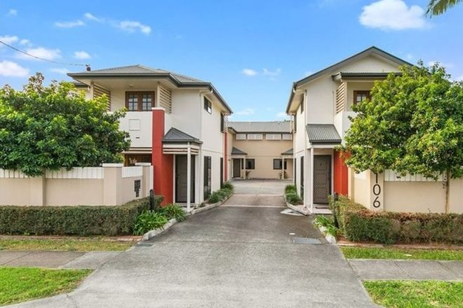 Picture of 3/106 Juliette Street, GREENSLOPES QLD 4120