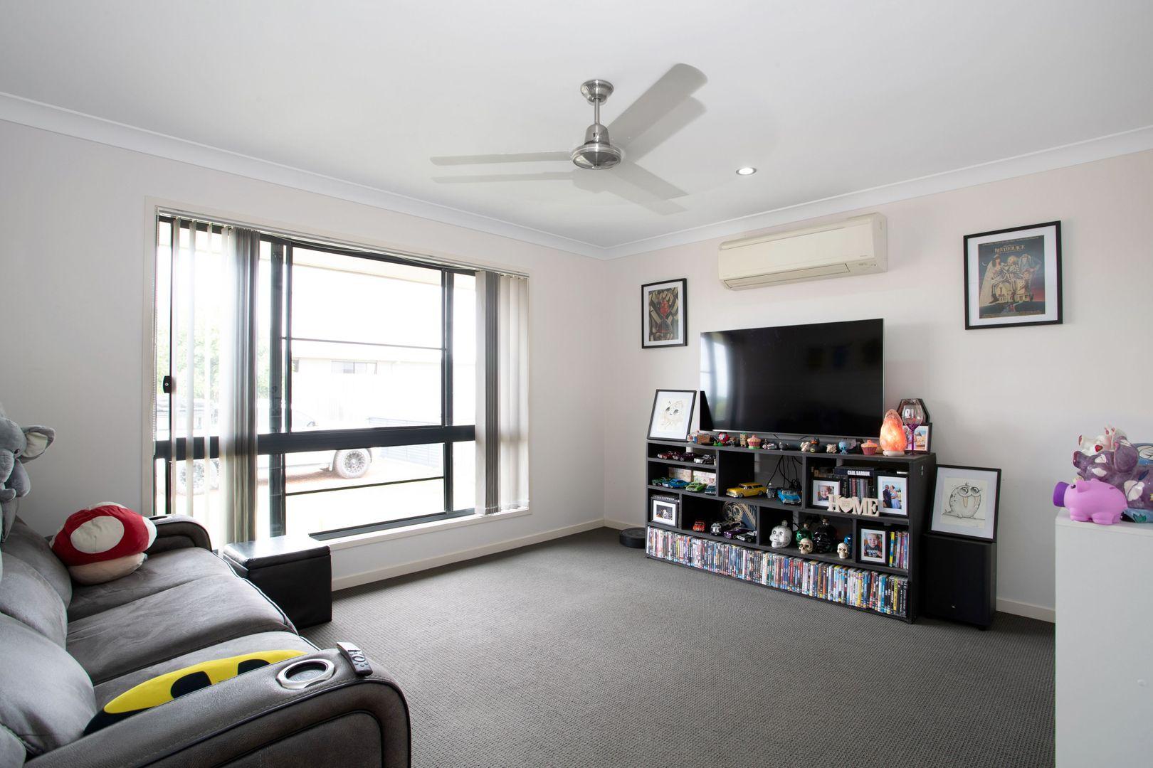 15 Parklane Crescent, Beaconsfield QLD 4740, Image 2