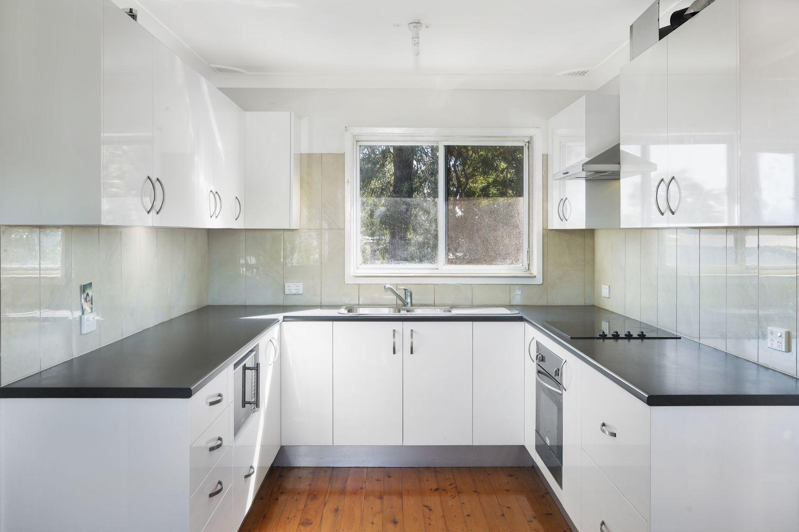 11 Goobarabah Avenue, Lake Haven NSW 2263, Image 2