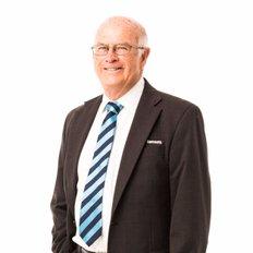 Ian 'Sos' Mills, Property Consultant