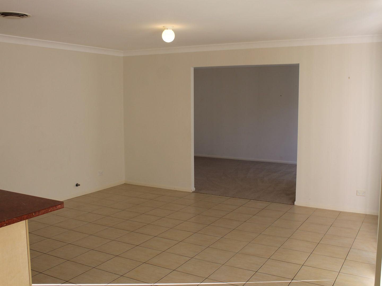 8 Capizzi Place, Castle Hill NSW 2154, Image 2