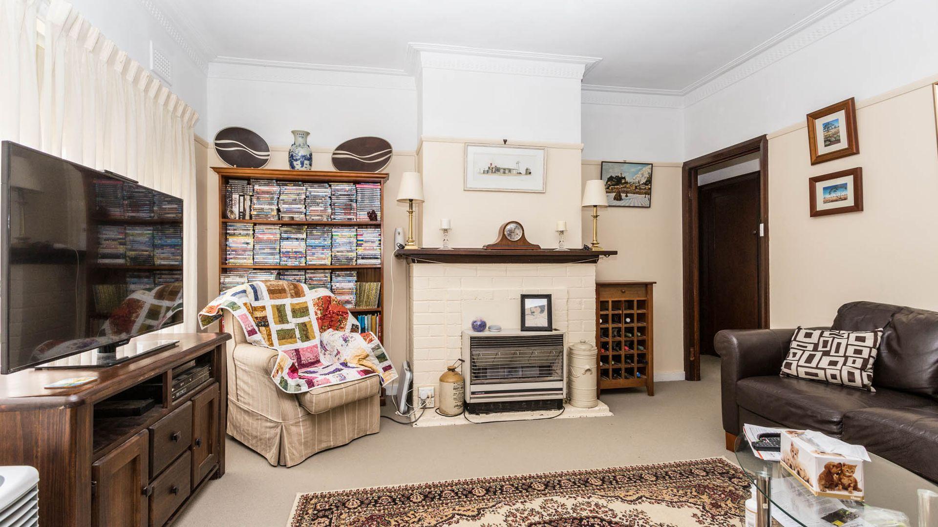 26 Tobruk Crescent, Orange NSW 2800, Image 2
