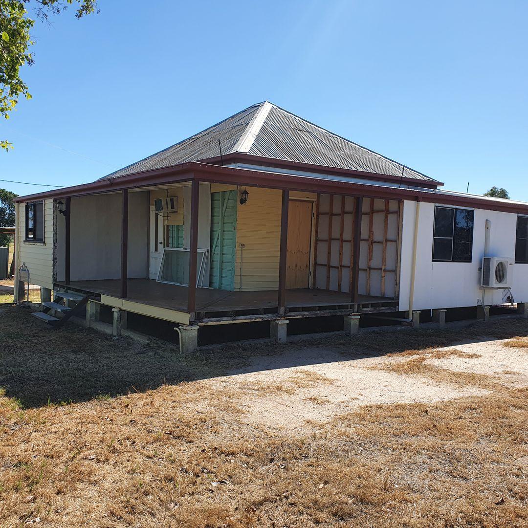 15 Uhr Street, Hughenden QLD 4821, Image 2