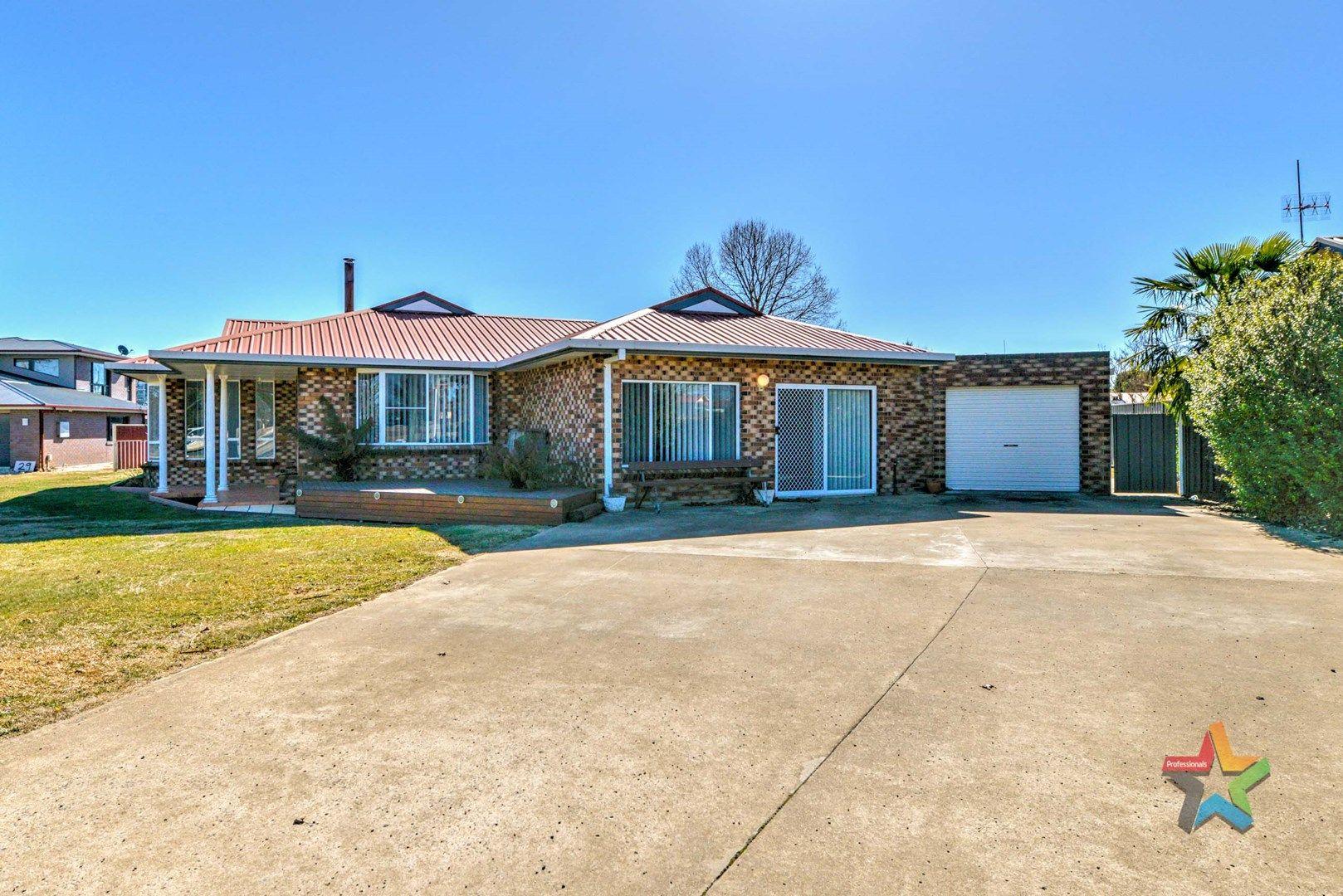 27 Nincoola Street, Guyra NSW 2365, Image 0