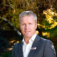Simon Verdon, Sales representative