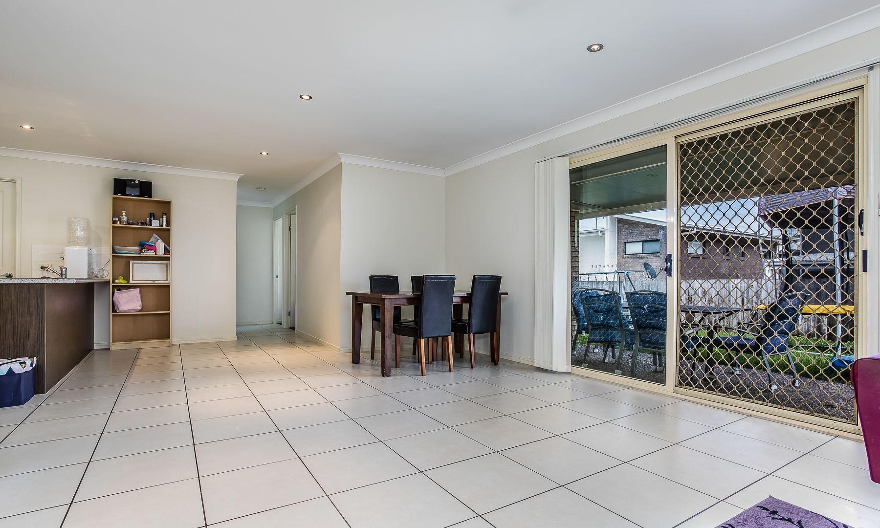 4 Outlook Court, Kallangur QLD 4503, Image 2