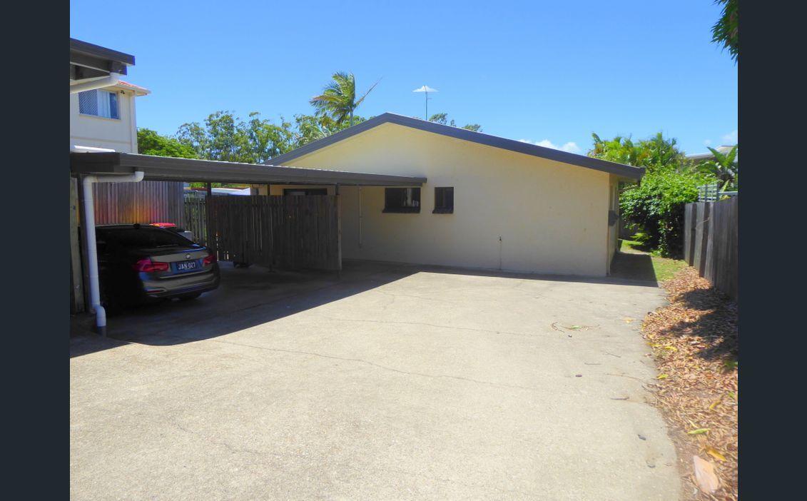 22 SILVYN STREET, Redcliffe QLD 4020, Image 1