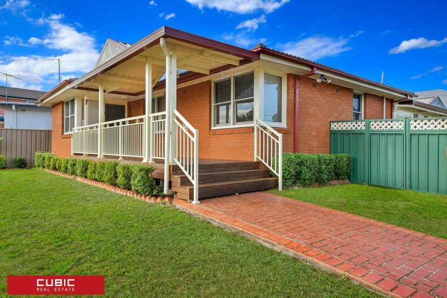 23 Madang St, Holsworthy NSW 2173, Image 0