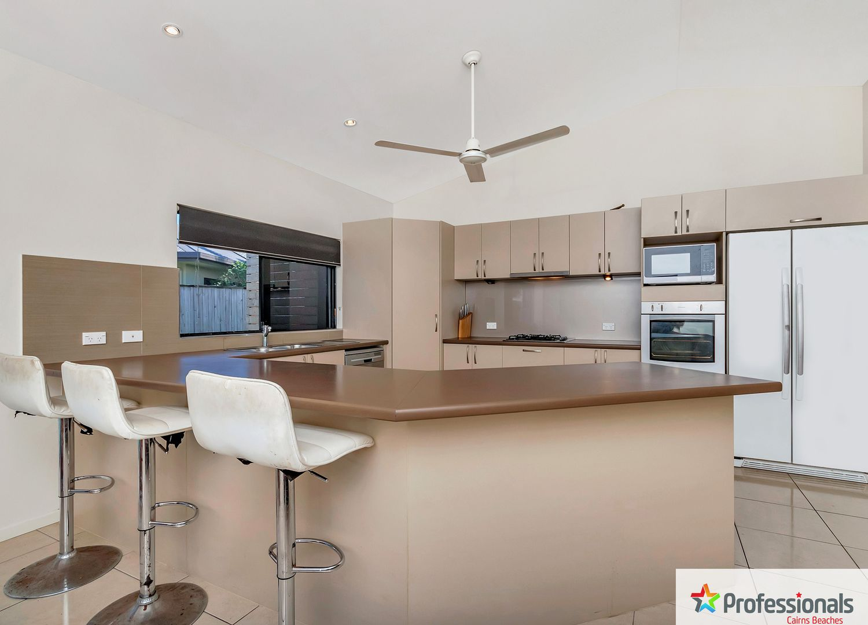 33 Seaways Street, Trinity Beach QLD 4879, Image 2