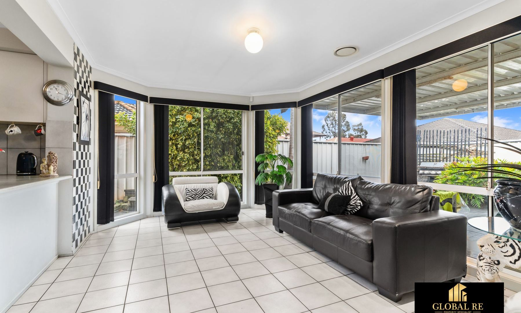 7 Tyringham Close, Hoxton Park NSW 2171, Image 2