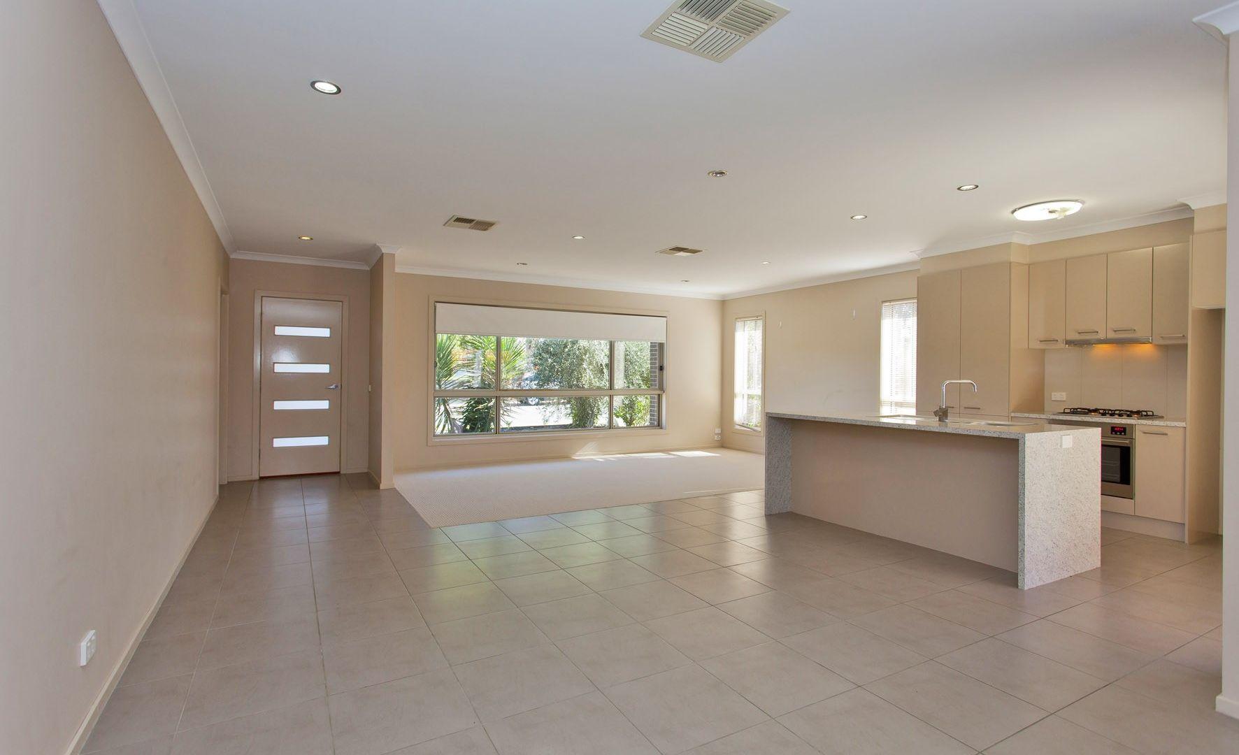 1/462 Parnall Street, Lavington NSW 2641, Image 1