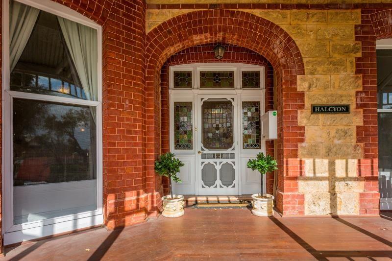 6 Fraser Street, East Fremantle WA 6158, Image 1