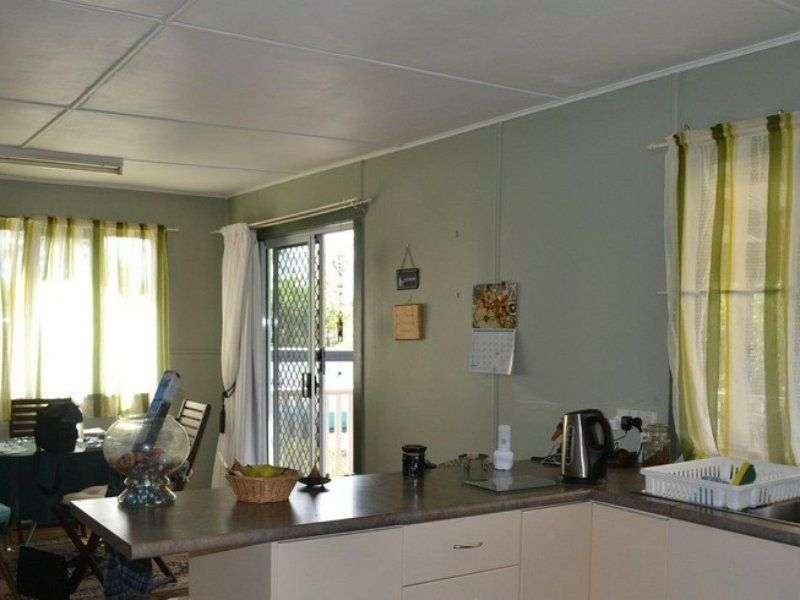 83 Moreton St, Eidsvold QLD 4627, Image 2