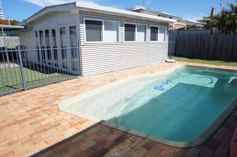16 Clam Street, Runaway Bay QLD 4216, Image 0
